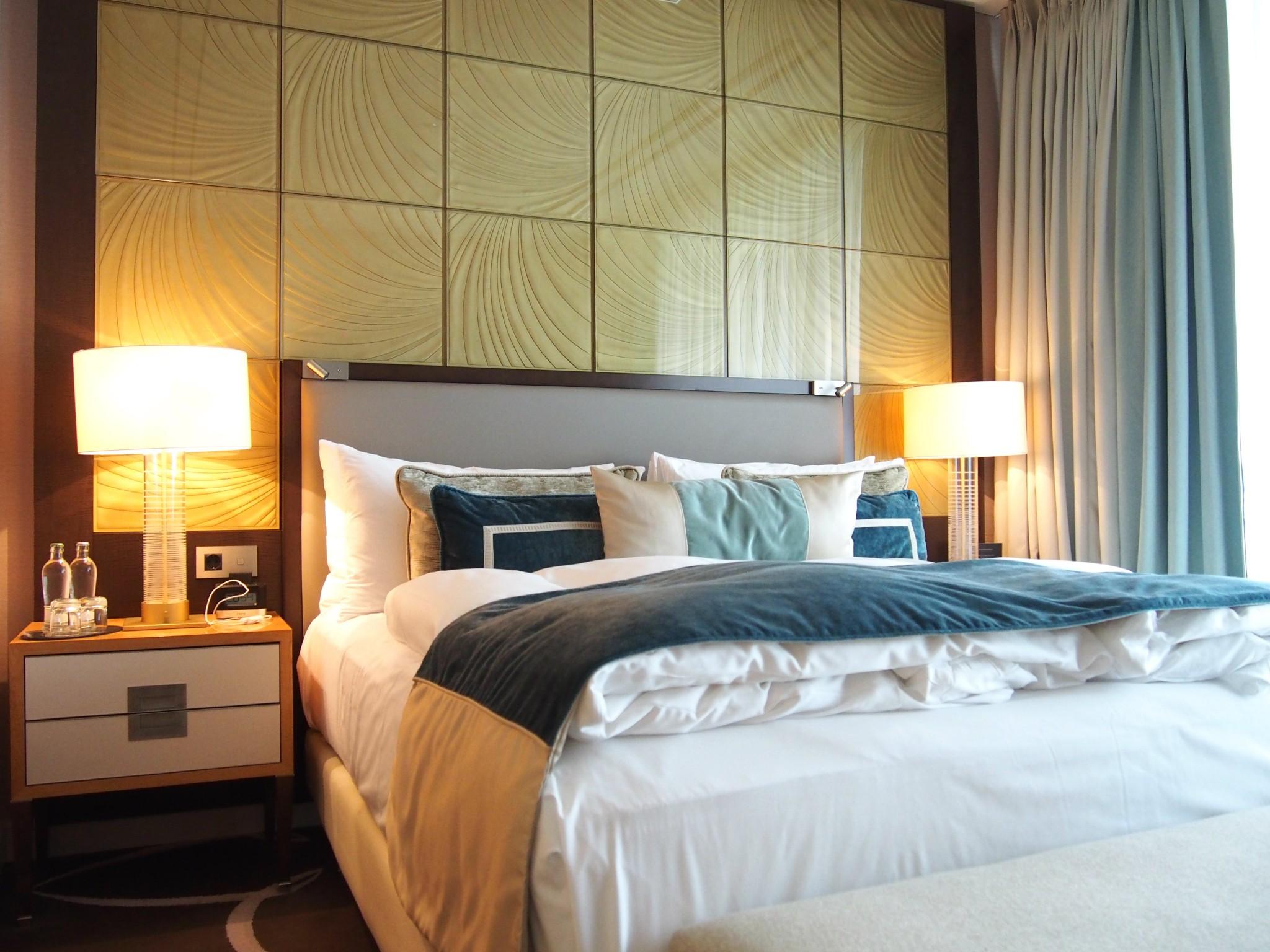 Waldorf Astoria Berlin Tower Suite makuuhuone 2