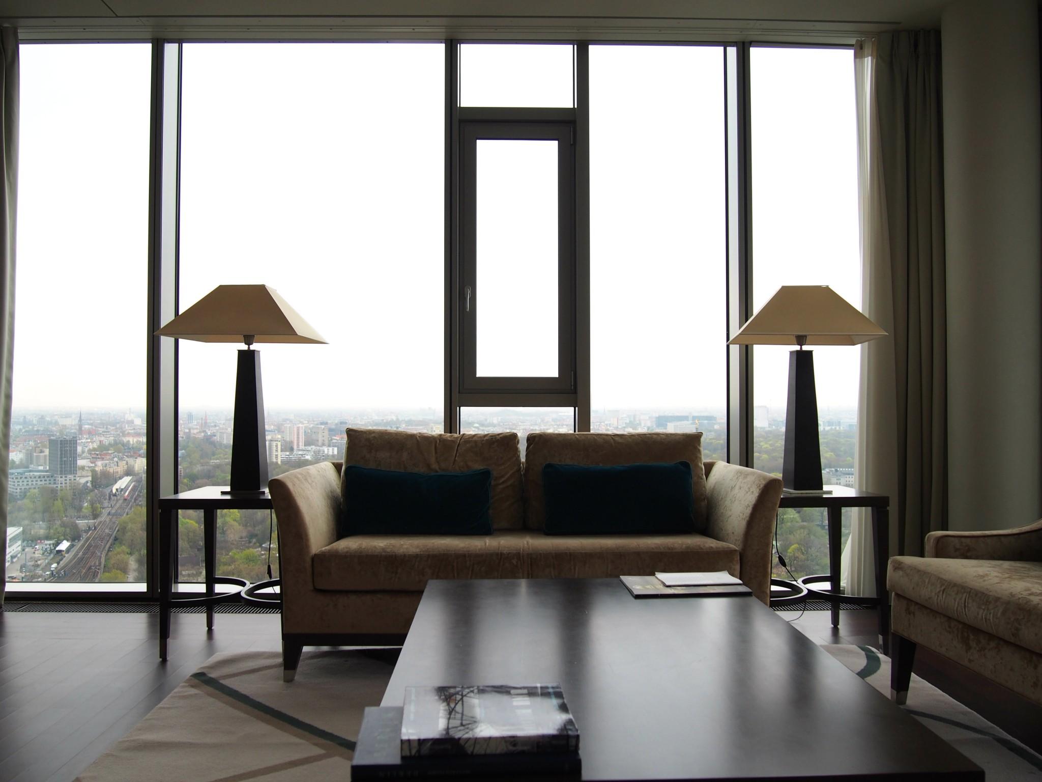 Waldorf Astoria Berlin Tower Suite olohuone 4