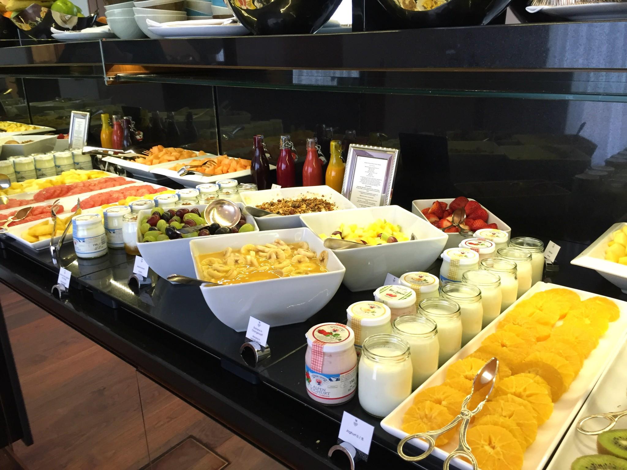 Waldorf Astoria Berlin aamiainen