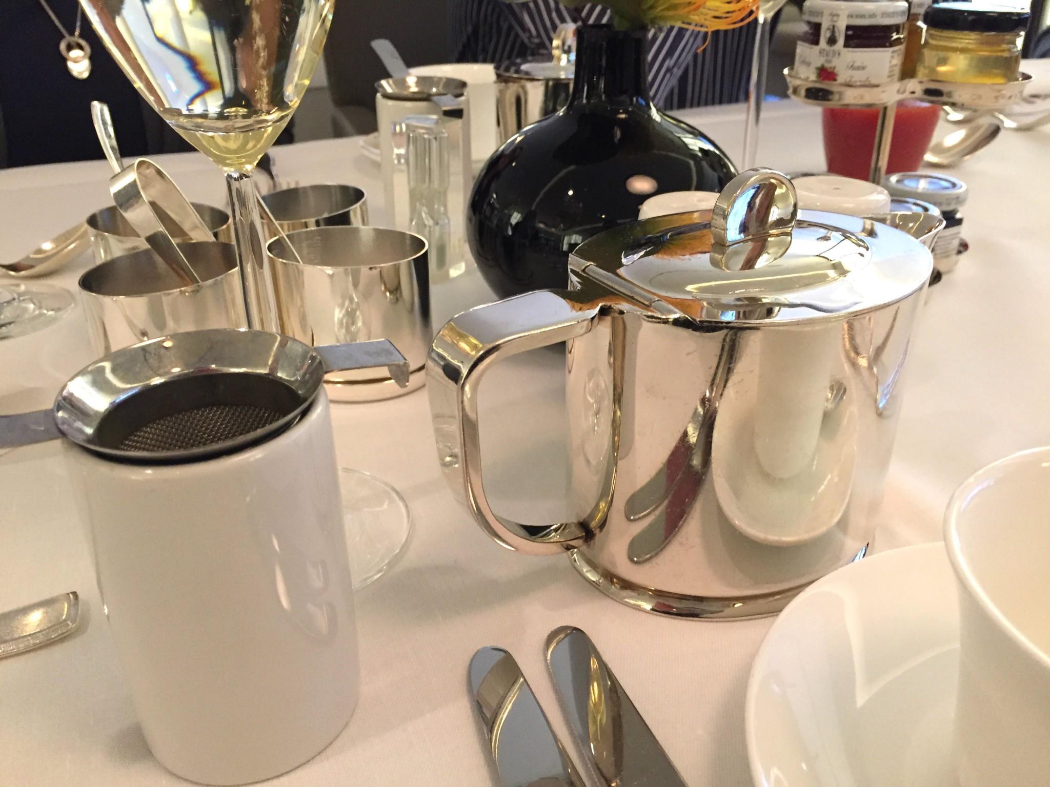 Waldorf Astoria Berlin aamiaistee