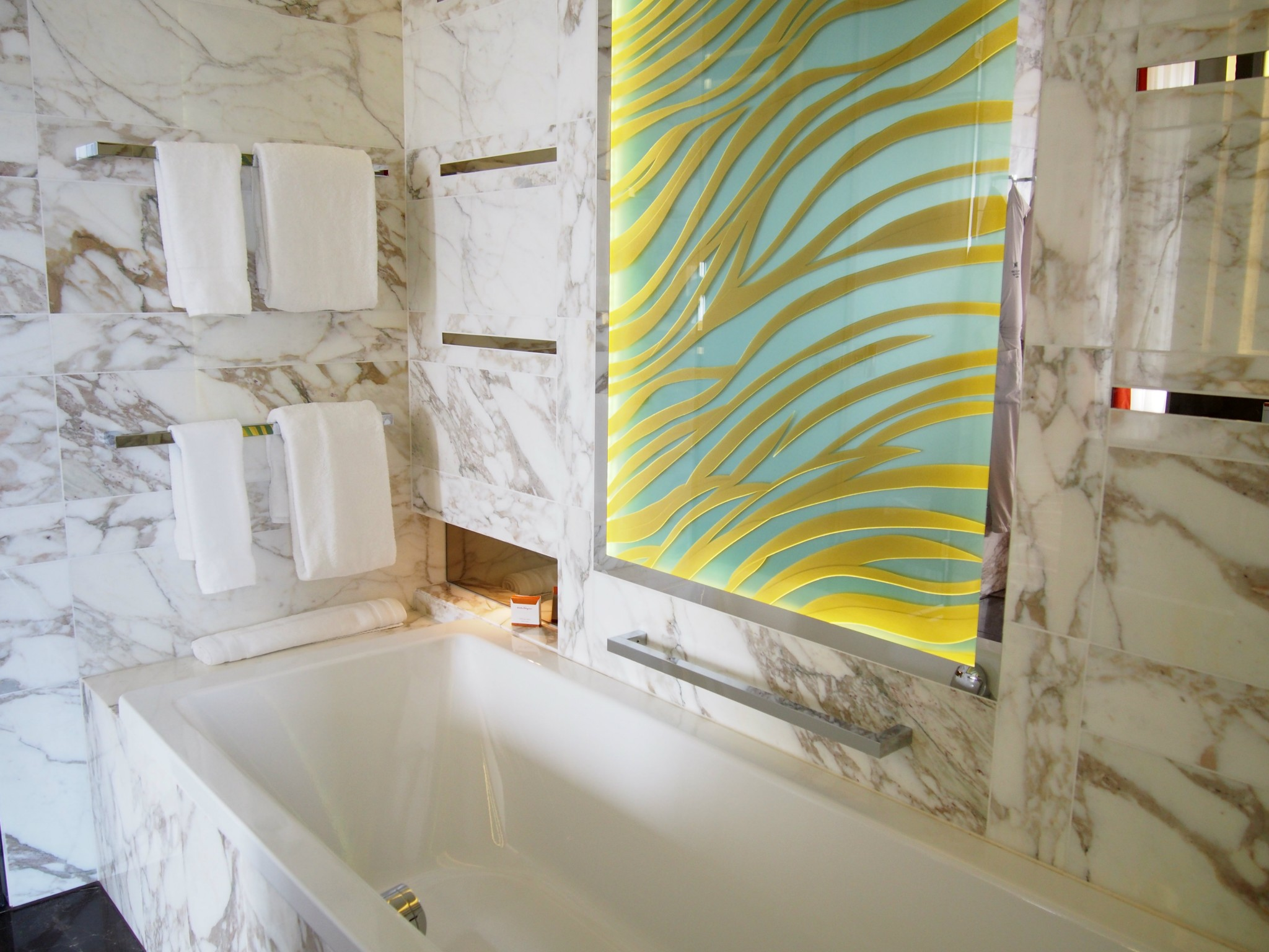 Waldorf Astoria Berlin kylpyamme