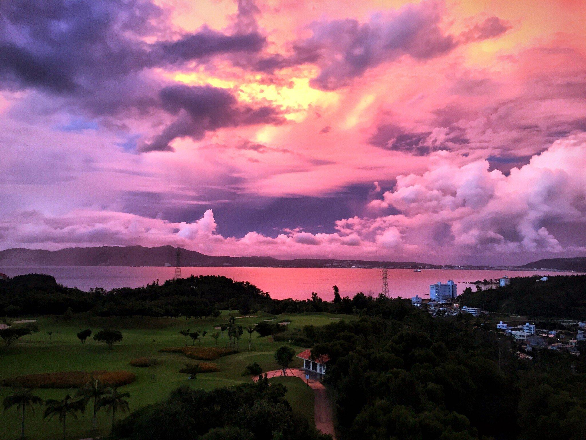 Ritz-Carlton Okinawa auringonlasku