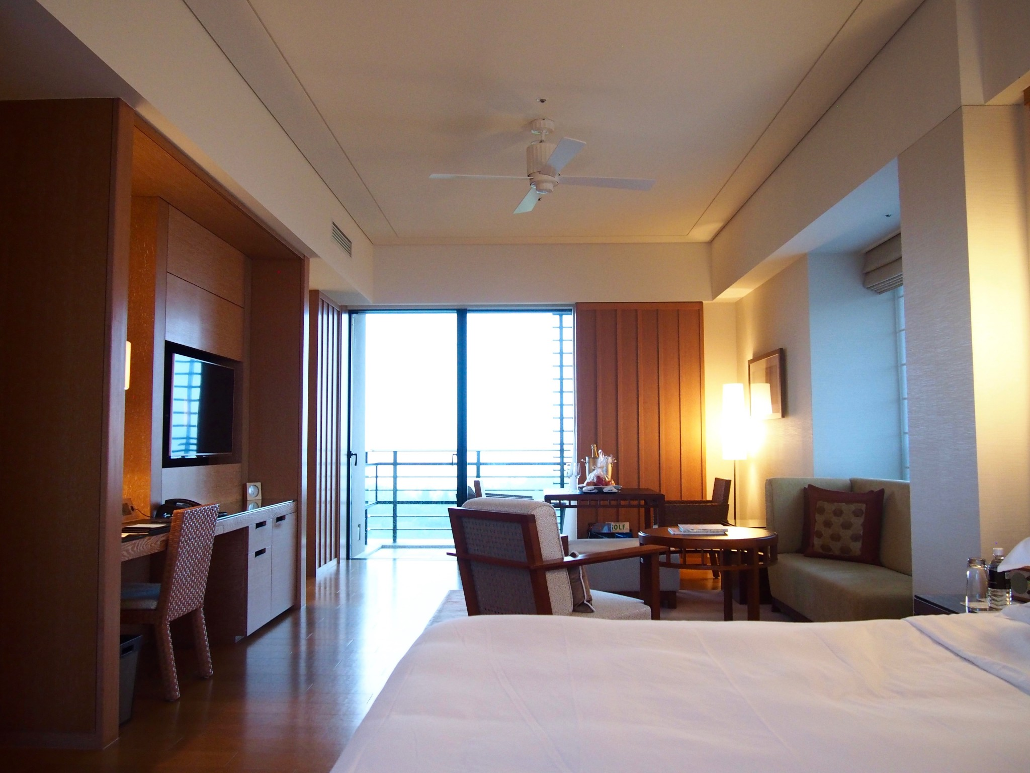 Ritz-Carlton Okinawa makuuhuone 1