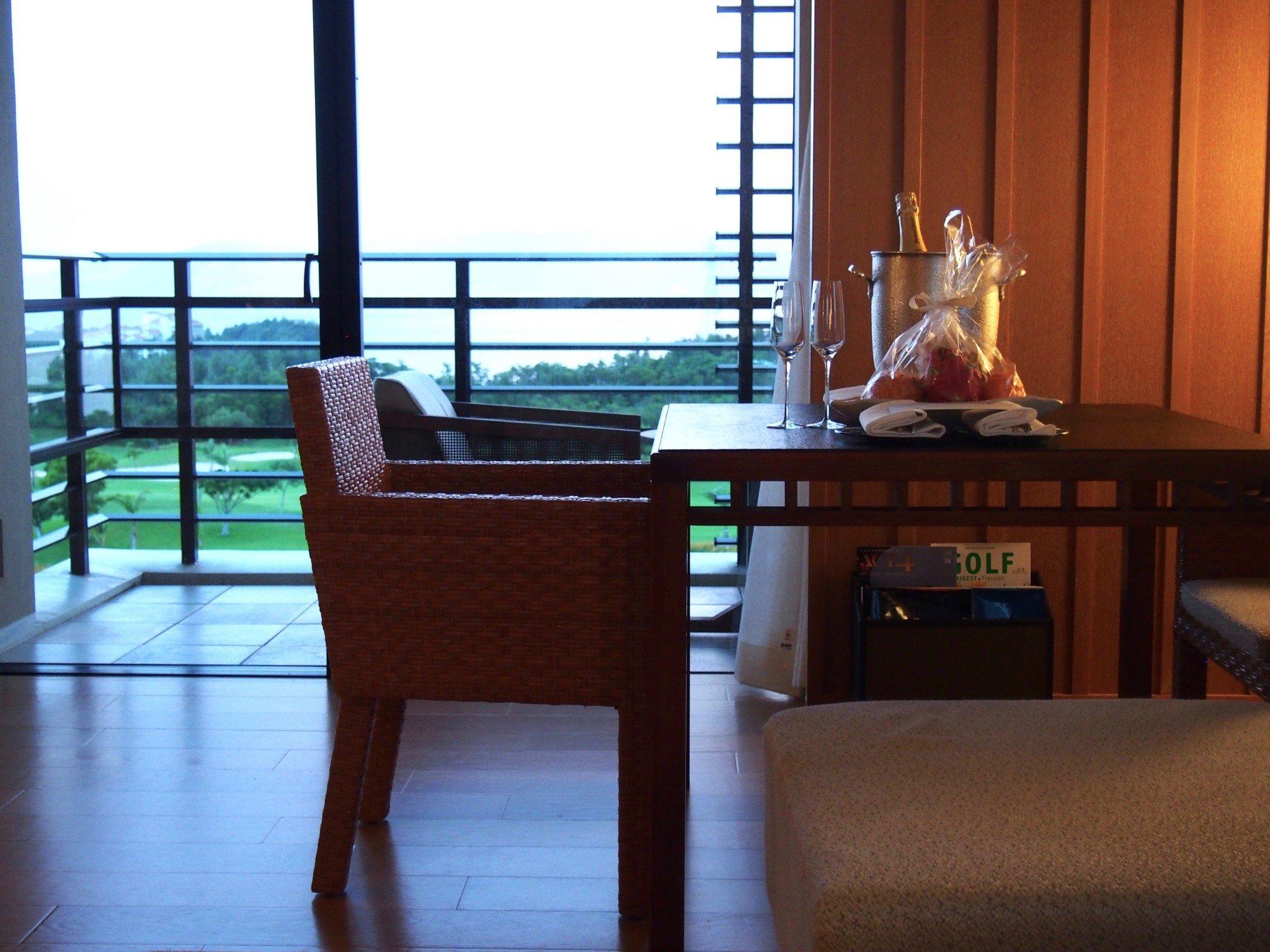 Ritz-Carlton Okinawa olohuone 1