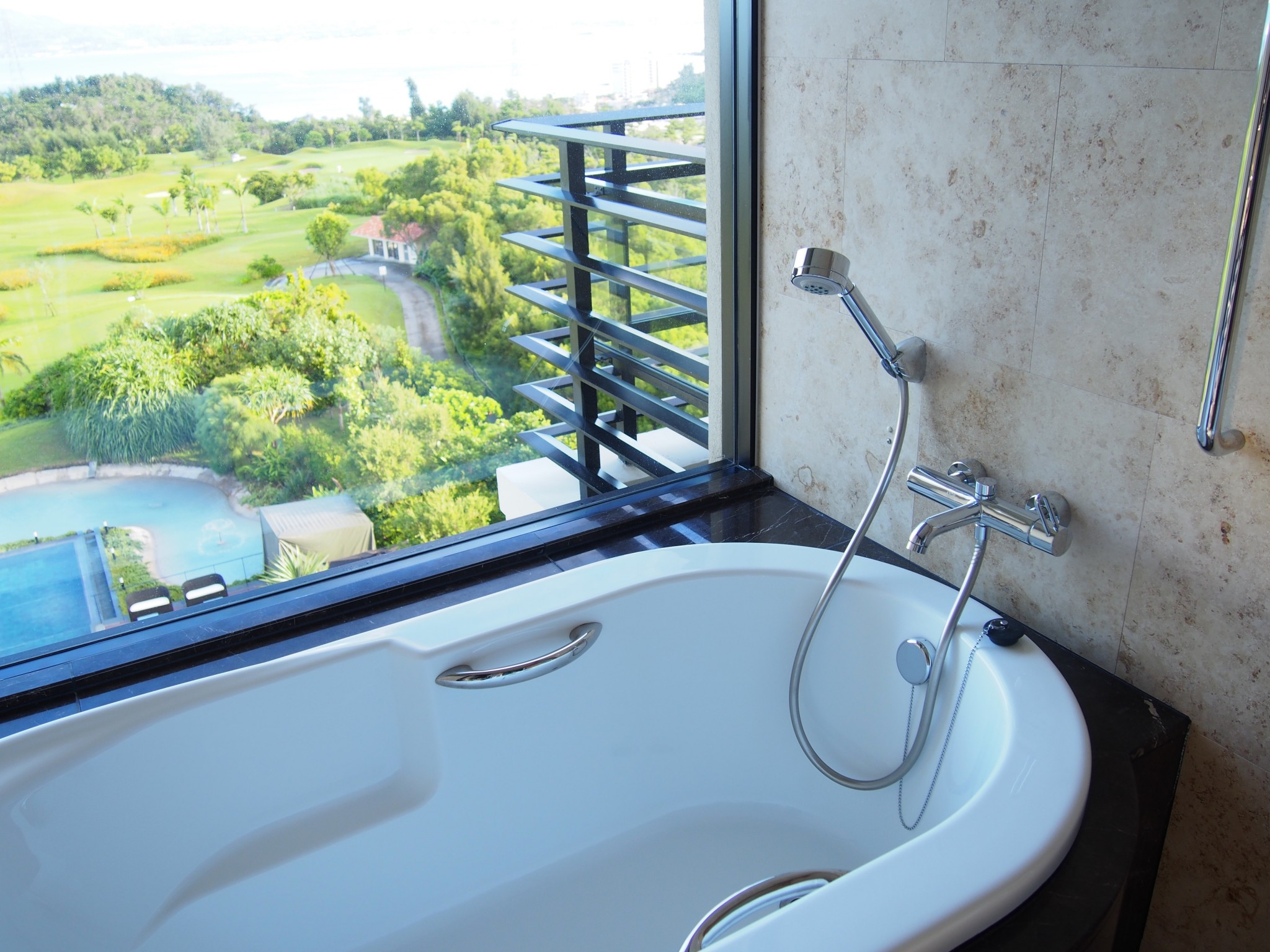 Ritz-Carlton Okinawa kylpyamme 3