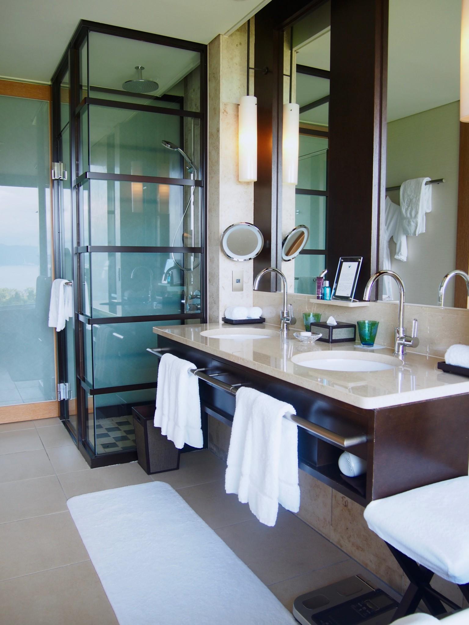 Ritz-Carlton Okinawa kylpyhuone 1