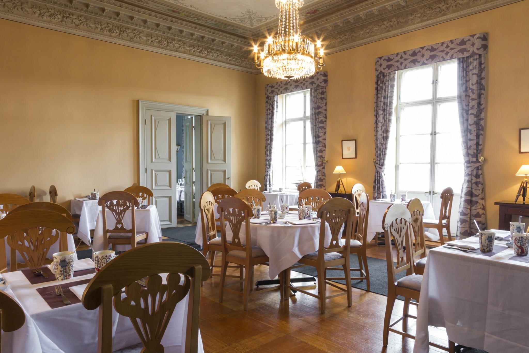 Hotel_Haven_Restaurant_Haven_Yellow_Diningroom_002