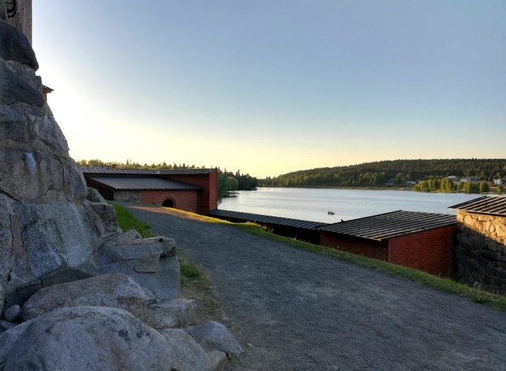 Kuva: kesäilta Hämeenlinnassa