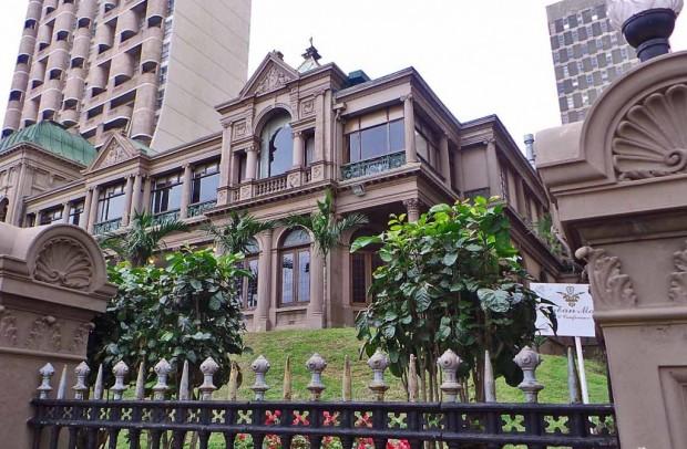 Durban Manor Hotellin historiallinen julkisivu.