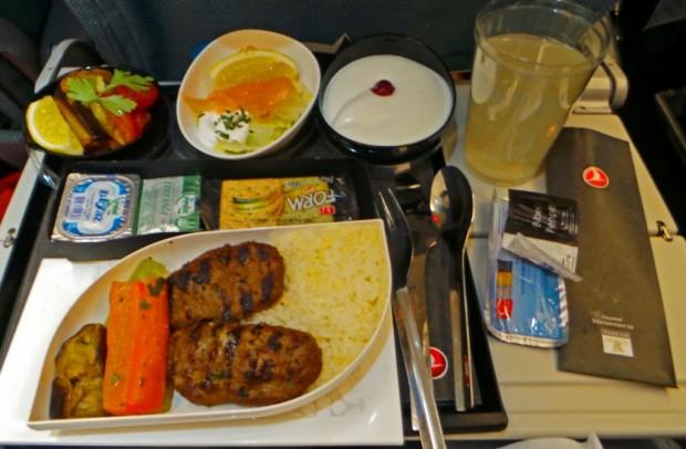 Ateria lennolla Istanbulista Johannesburgiin.