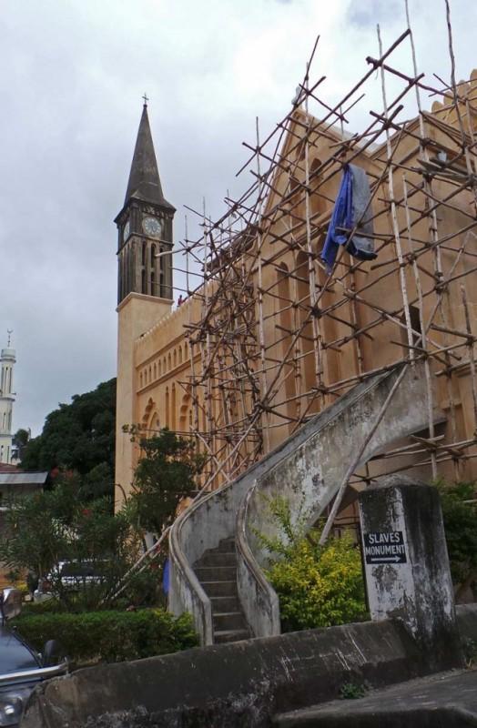 Anglikaaninen kirkko. Kirkon konservointityöt olivat vielä kesken.