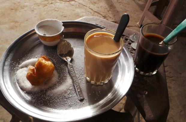 Sudanilainen aamupala sisälsi, kahvin, teen tai chain (tee maidolla) sekä munkkeja.