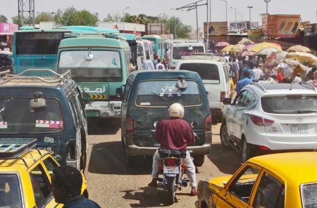 Khartoumin liikenne oli niin ruuhkaista, että meillä kesti  useamman tunnin päästä ulos kaupungista.