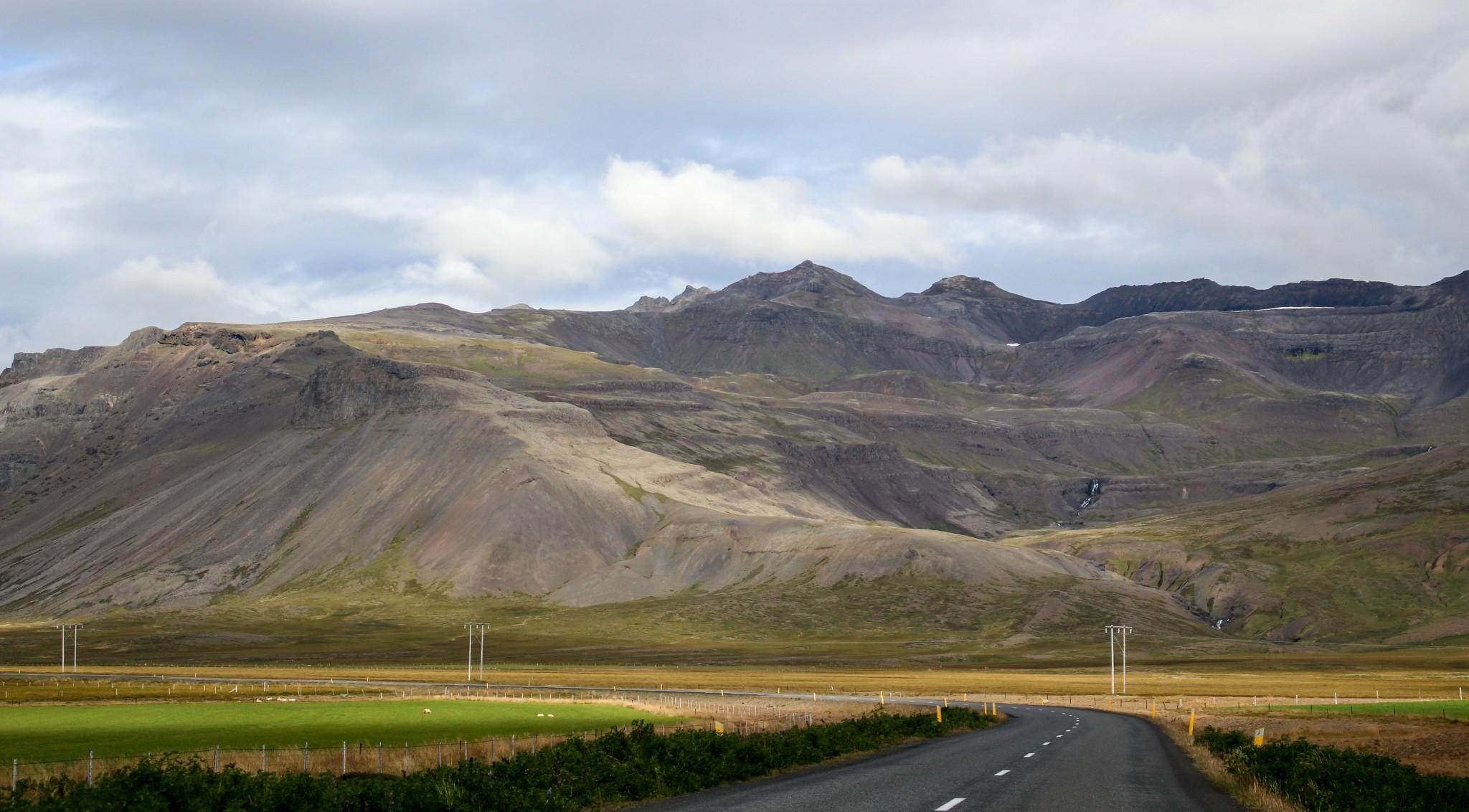 Onneksi ilma kirkastui, sillä niemen eteläpuolen maisemat lukeutuivat reissun upeimpiin