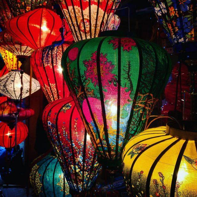 Seuraavat 20 kuvaa onkin sitten lyhtyj lyhtyj lyhtyj! lanterns hoianhellip