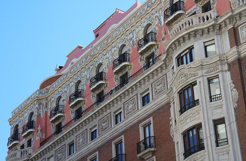 Valencia building2