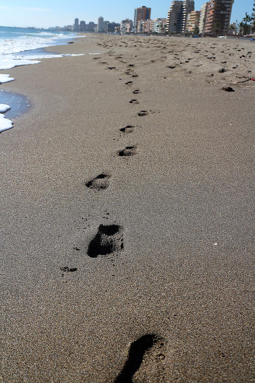 jälet hiekassa