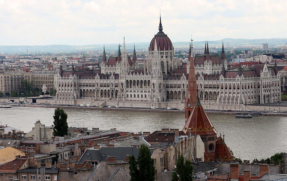 Parlamenttitalo2