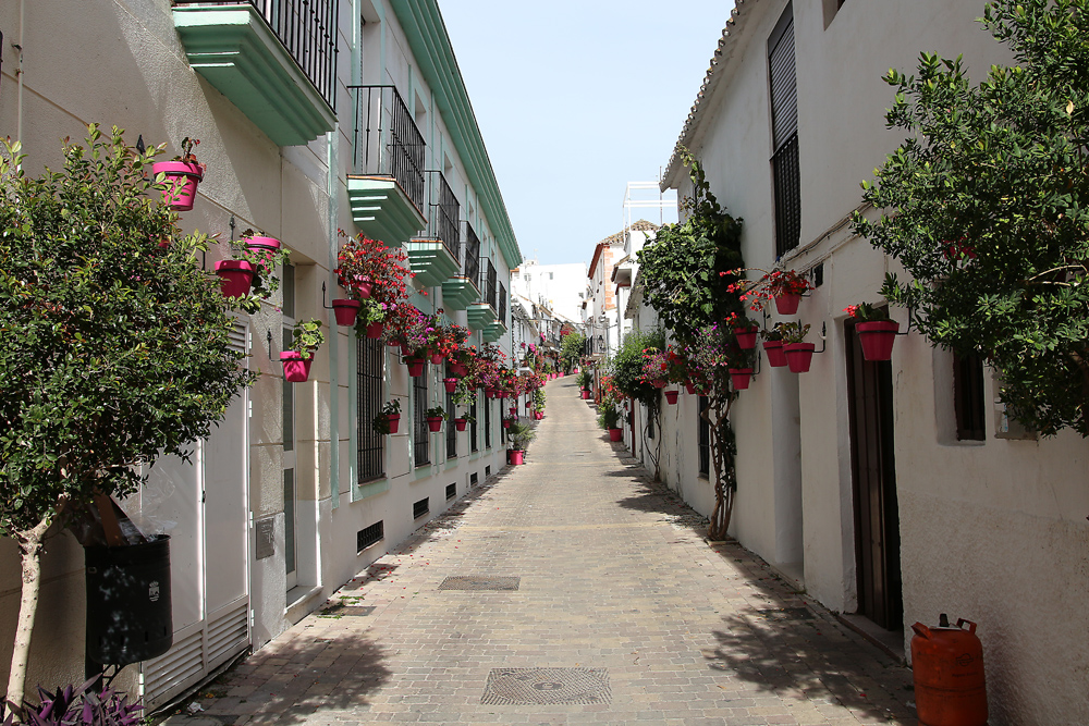 Costa del Solin ihanat kaupungit  näitä...