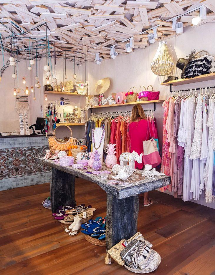 Koru ja mekkokauppa Fuengirolassa