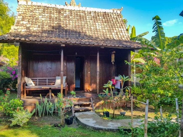 puinen bungalowi gilin saarella