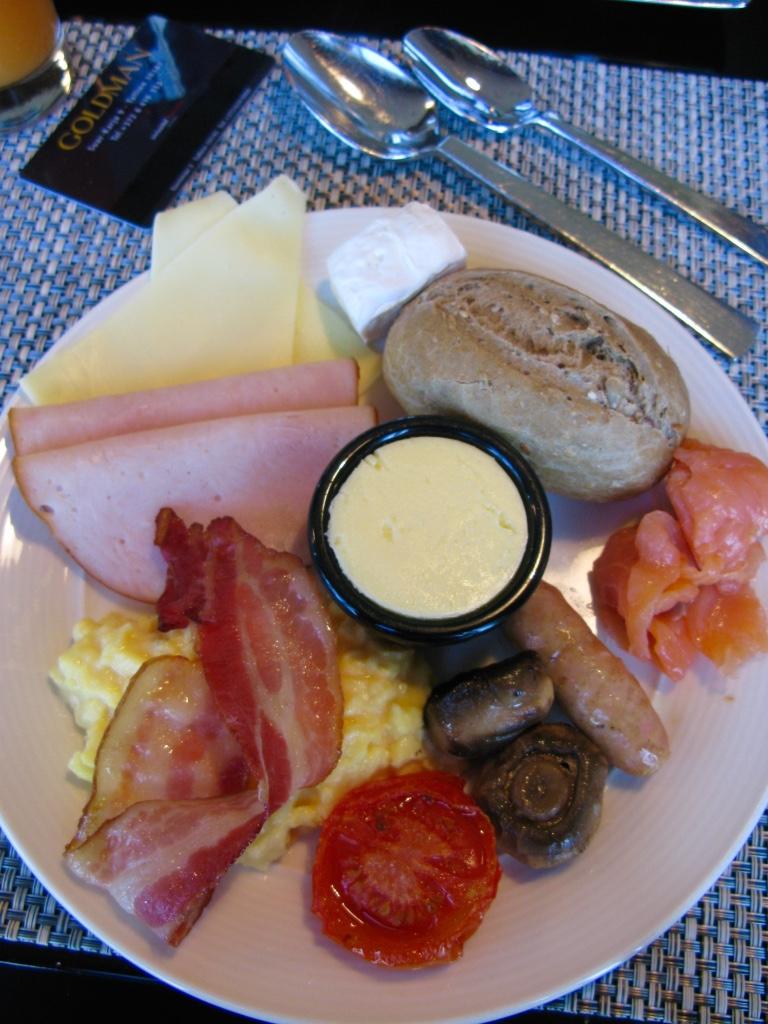 Tallinn Swissôtel breakfast