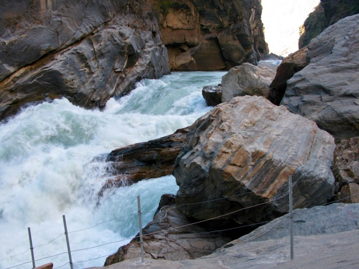 Tiger Leaping Gorge Kiina vaellus