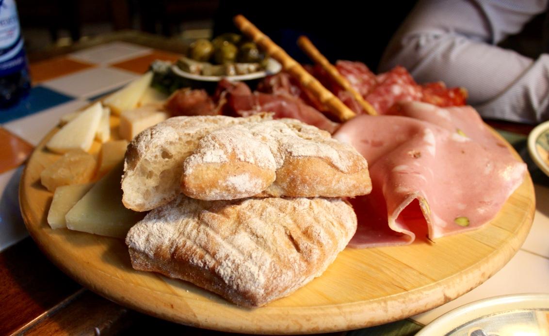 Italialainen ravintola Tallinnassa - Osteria Del Gallo Nero
