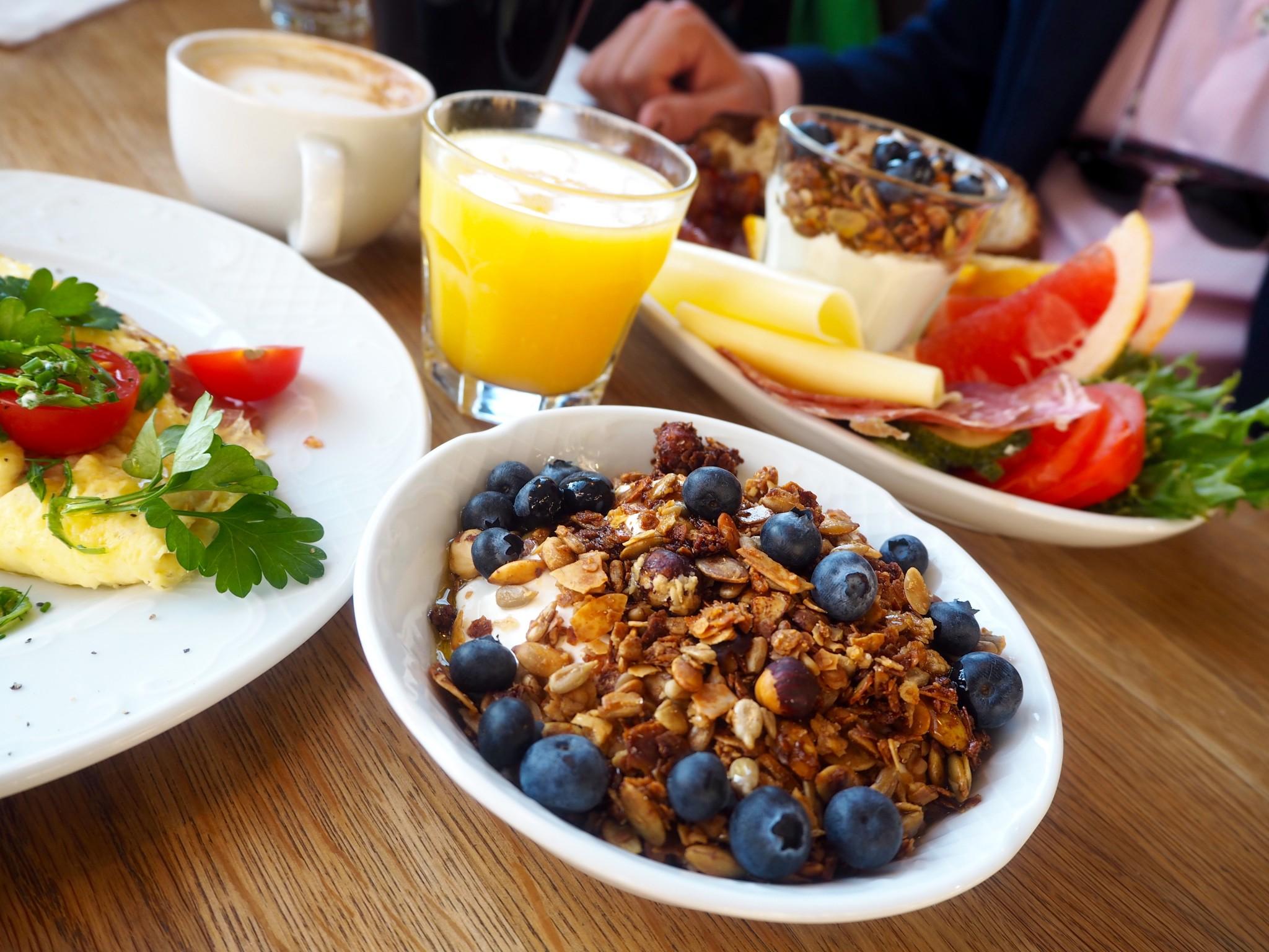 Storyn aamiainen Vanhassa kauppahallissa