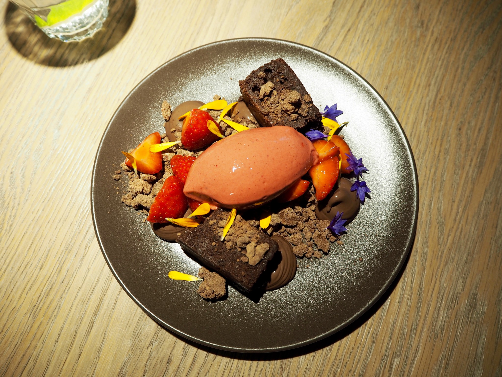 Tallinna ravintola Kaks Kokka jälkiruoka