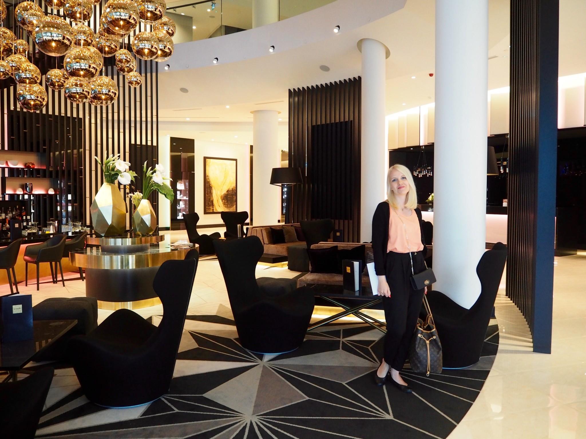 Hilton Tallinn Park hotelli Tallinna aula
