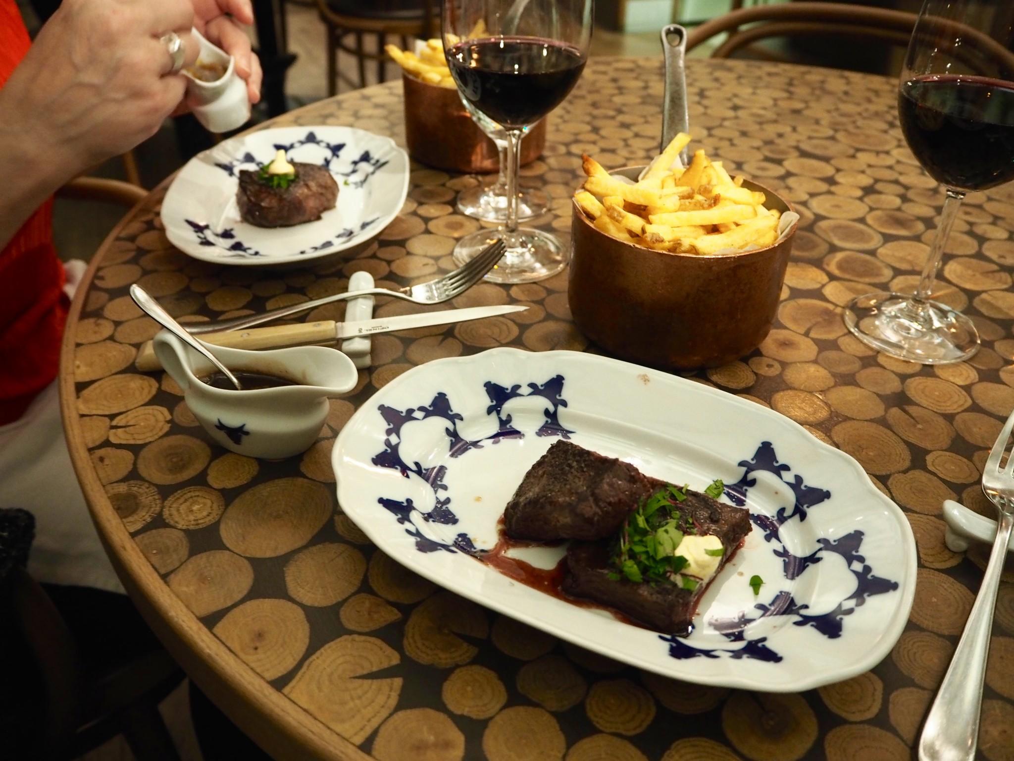 Pihviravintola Prahassa: Cestr