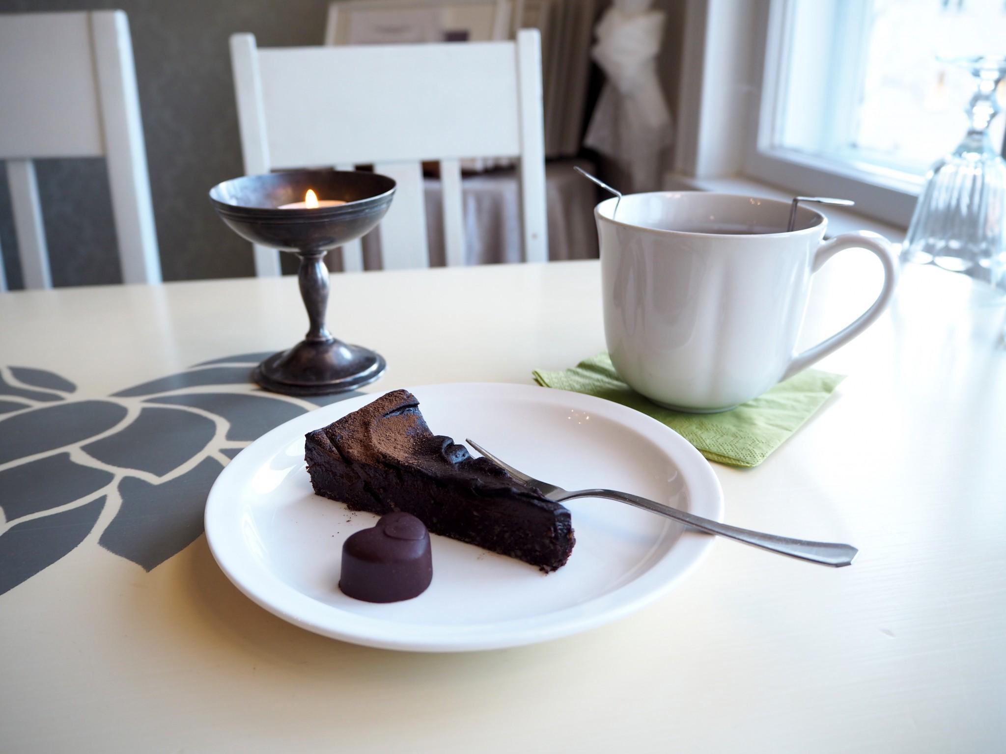Kahvila Porvoossa: Fredrikan Lähde & Ani's Cafe