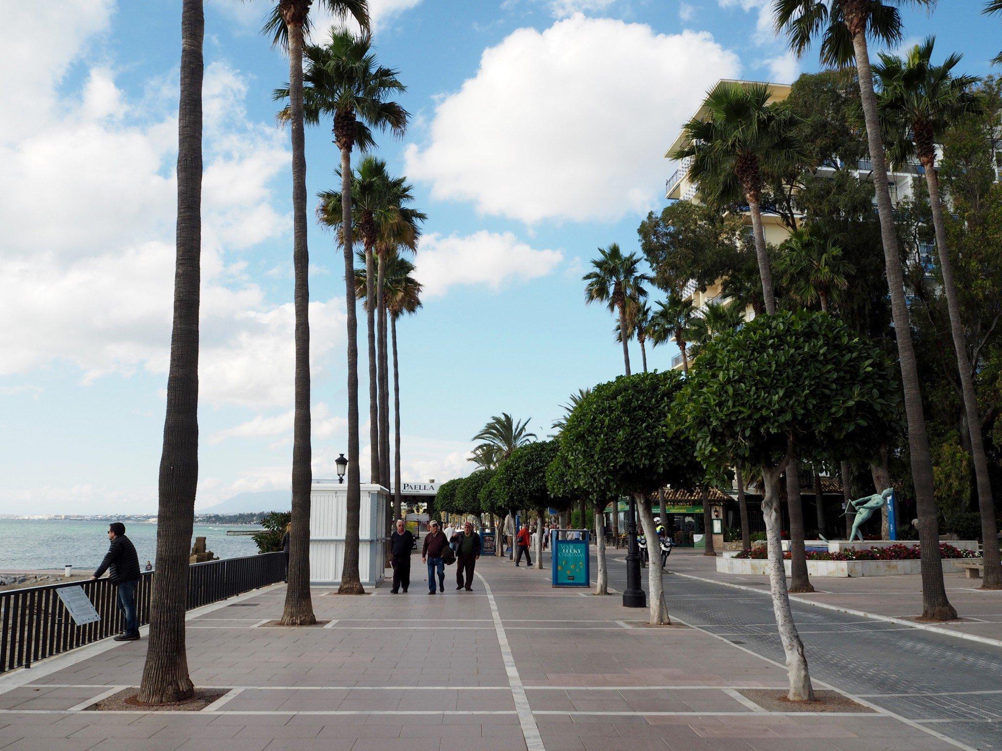 Aurinkorannikko Marbella ranta