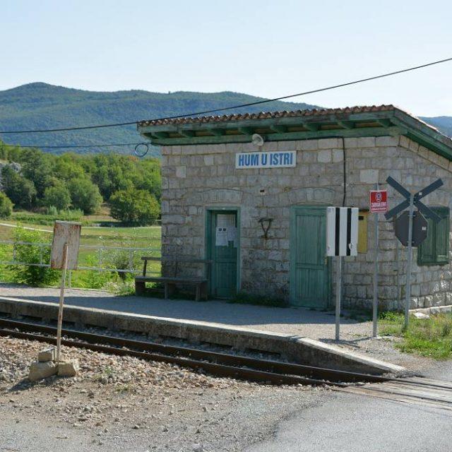 Tiedtk miss maailman pienin kaupunki sijaitsee? No hum sijaitsee Istrianhellip