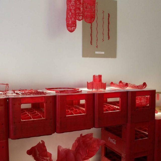 Muovi mahdollisuus vai kirosana? Aalto yliopiston opiskelijoiden ksiss limpparikorit saivathellip