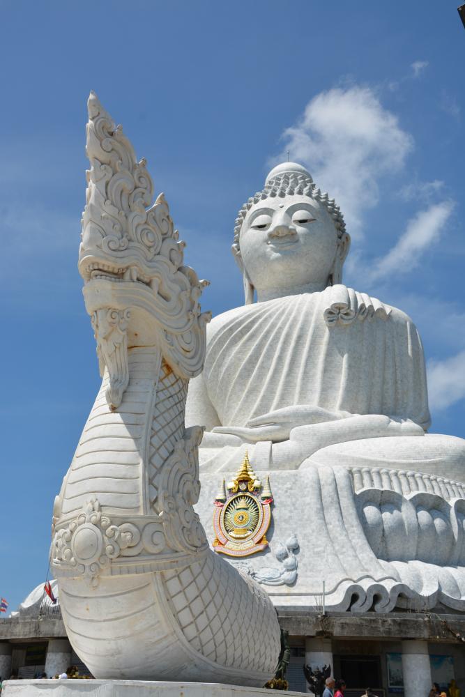 Buddha ja lohikäärme patsas