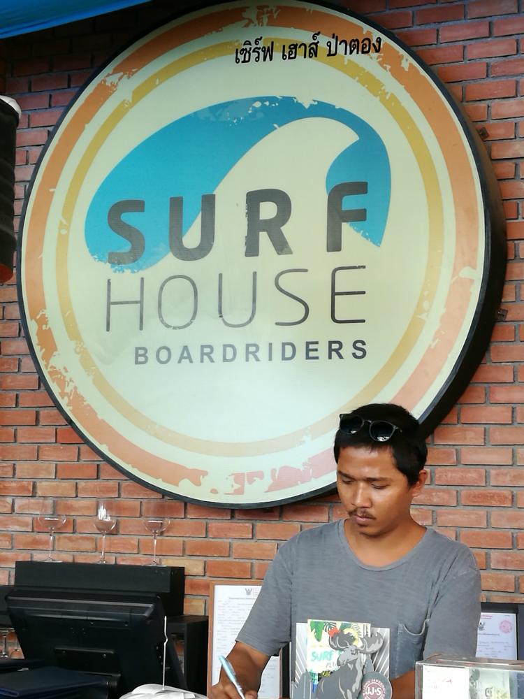 surf housen henkilökuntaa