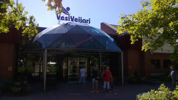 Kokkolan uimahallin nimi on VesiVeijari