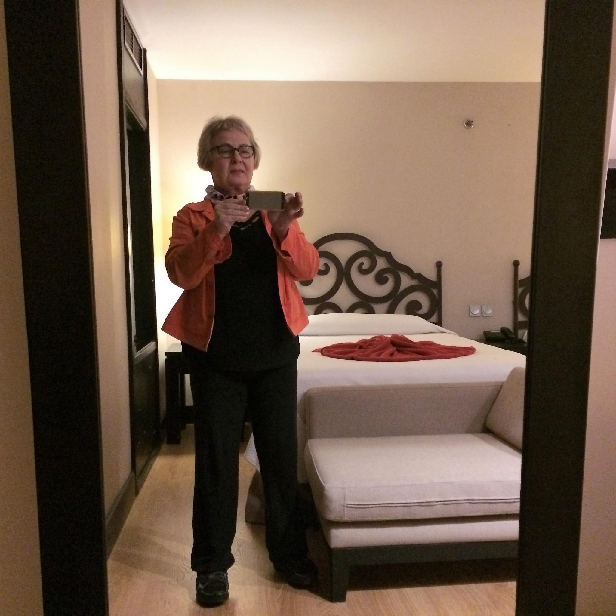 Havanna hotelli Åarque Central saapumisyönä