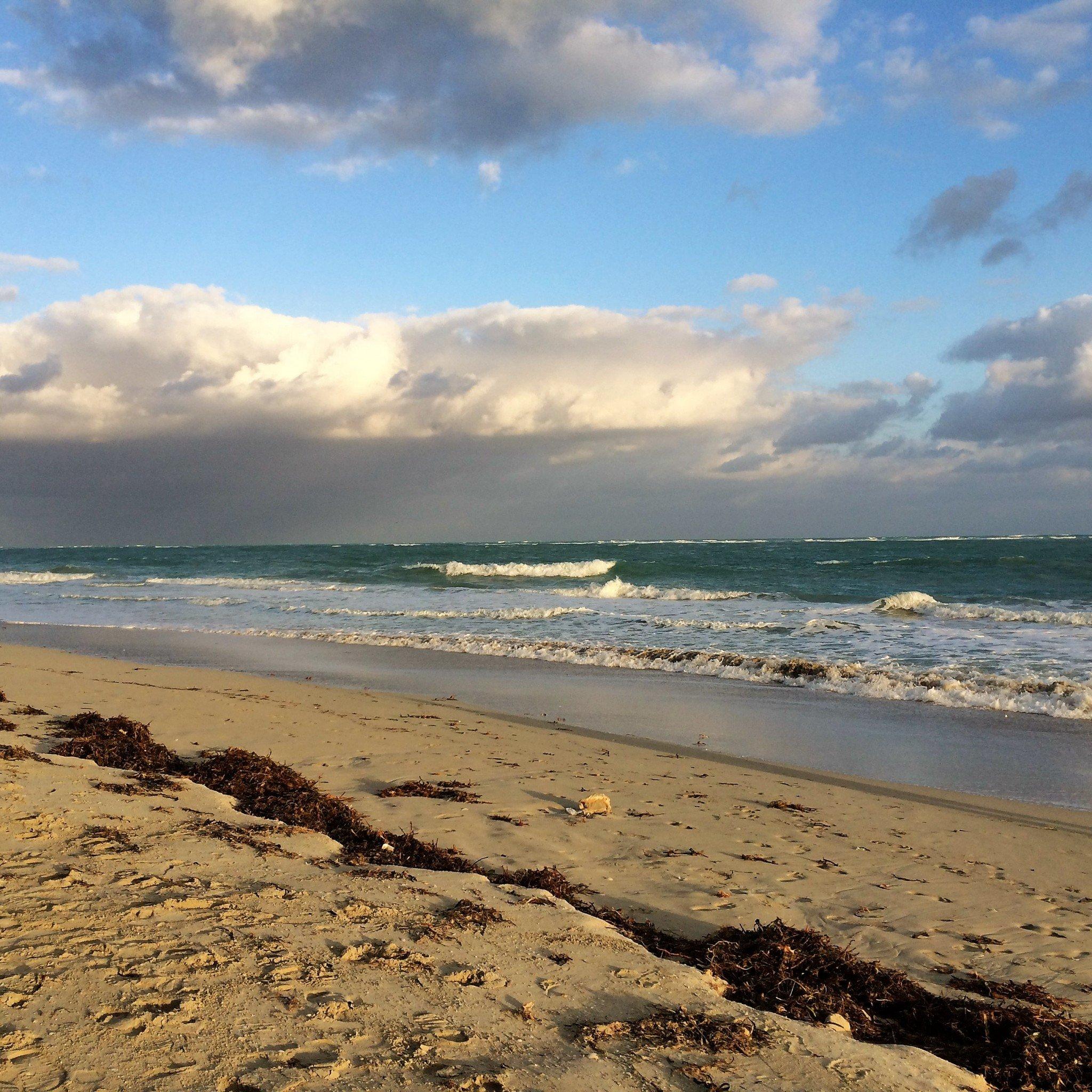 Meren rannalla Varaderossa