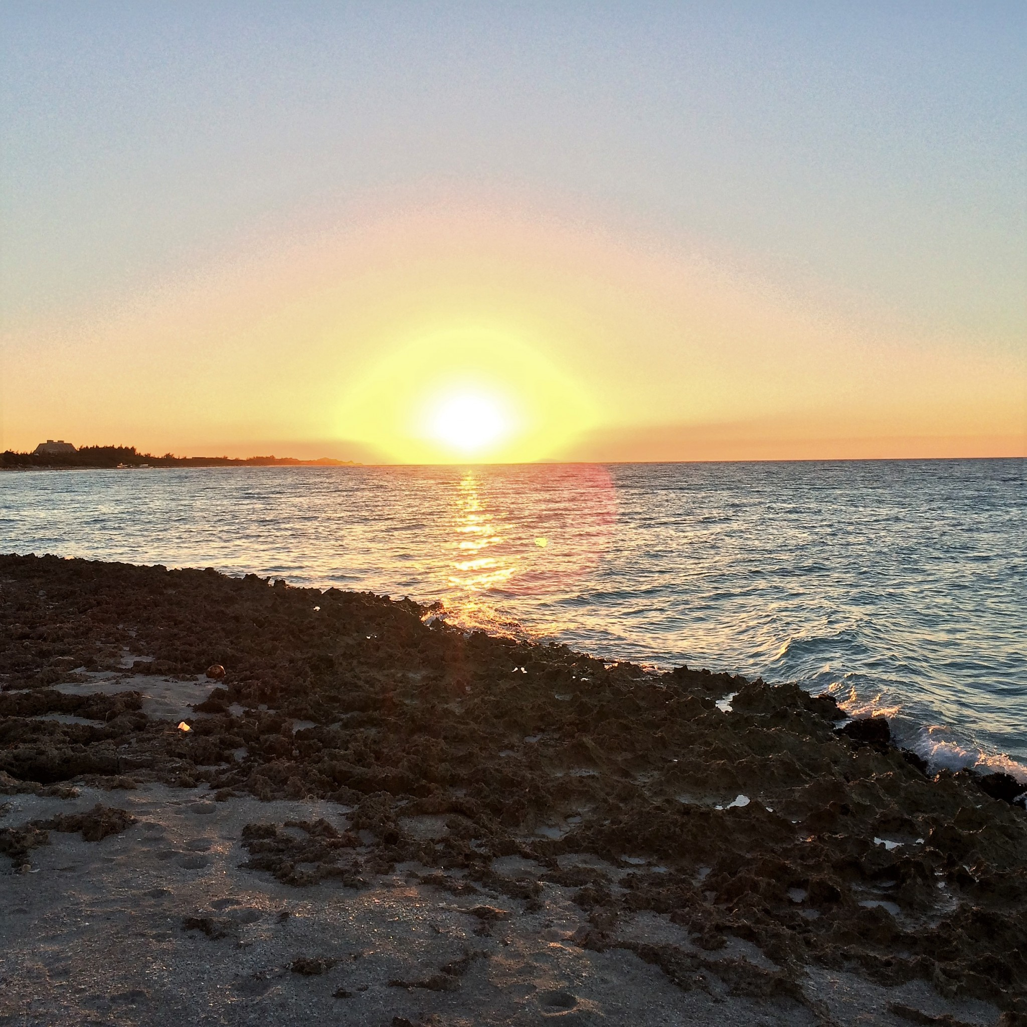 auringonlasku Varaderossa
