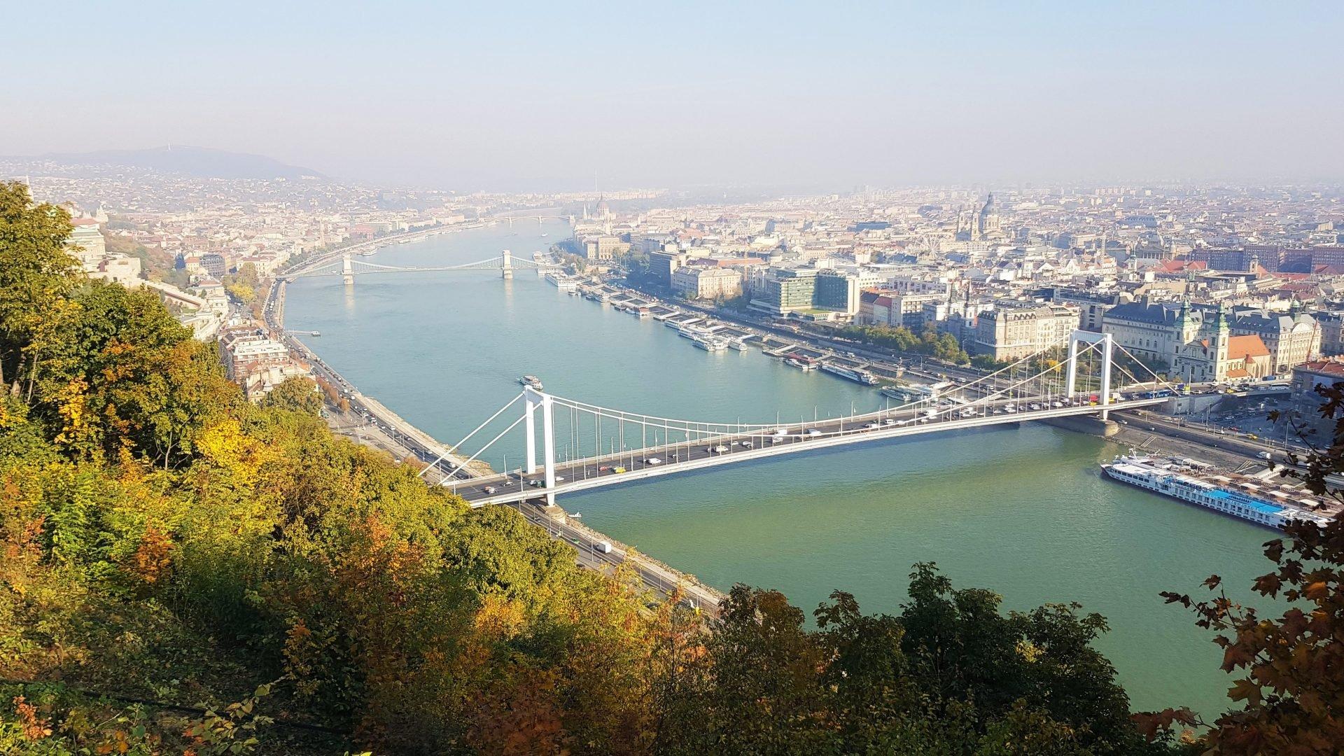 Budapest. Tonava.