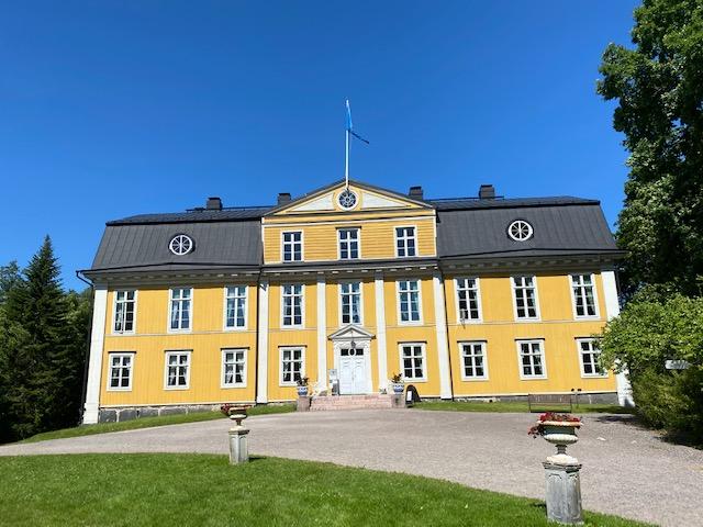 Valloittava Mustion linna ja vähän Fiskarsiakin