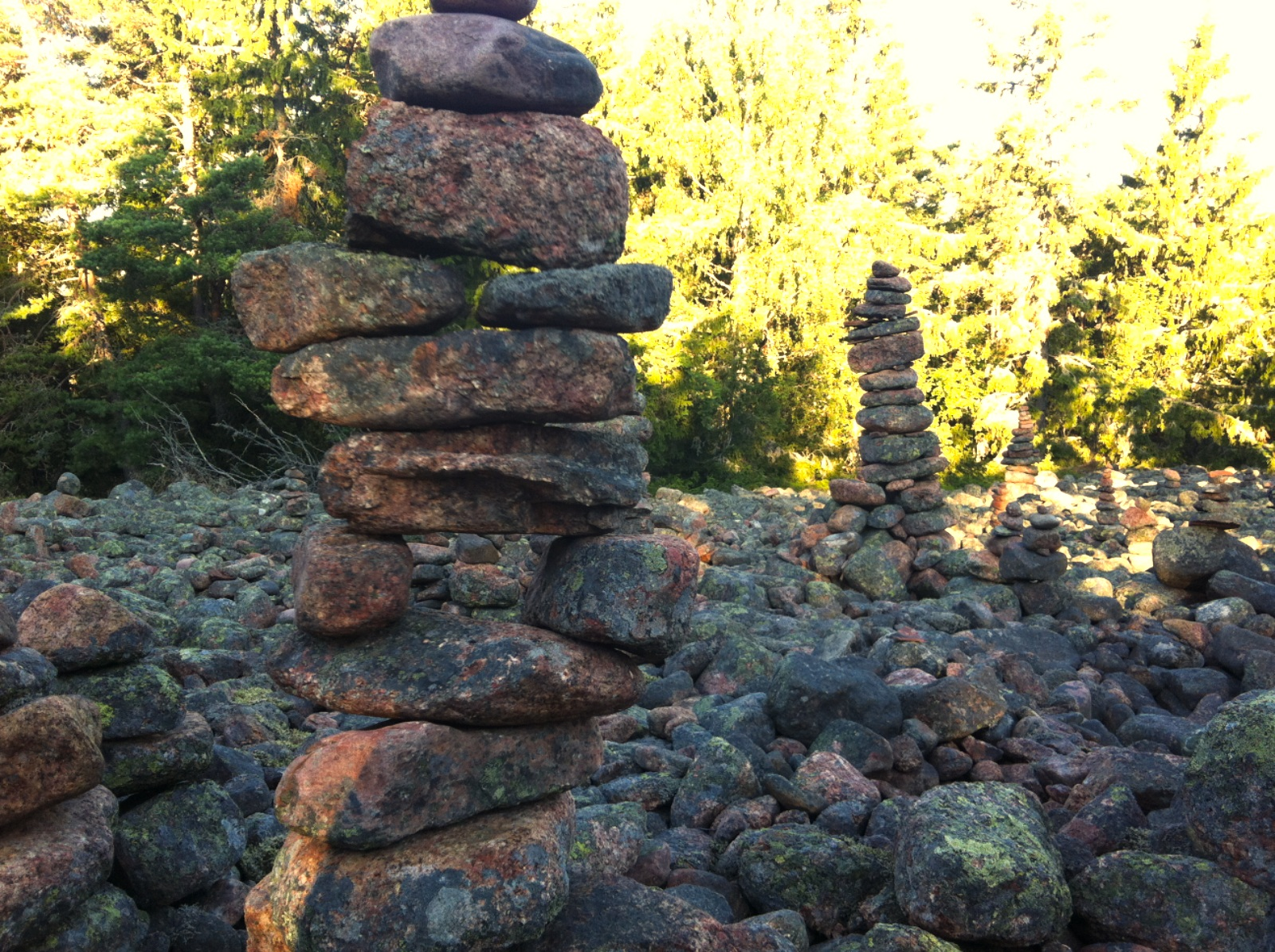 Kiviä pinossa Geta-vuorella