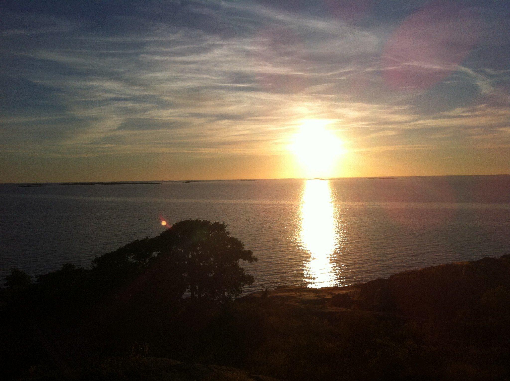 Auringonlasku Kökarilla