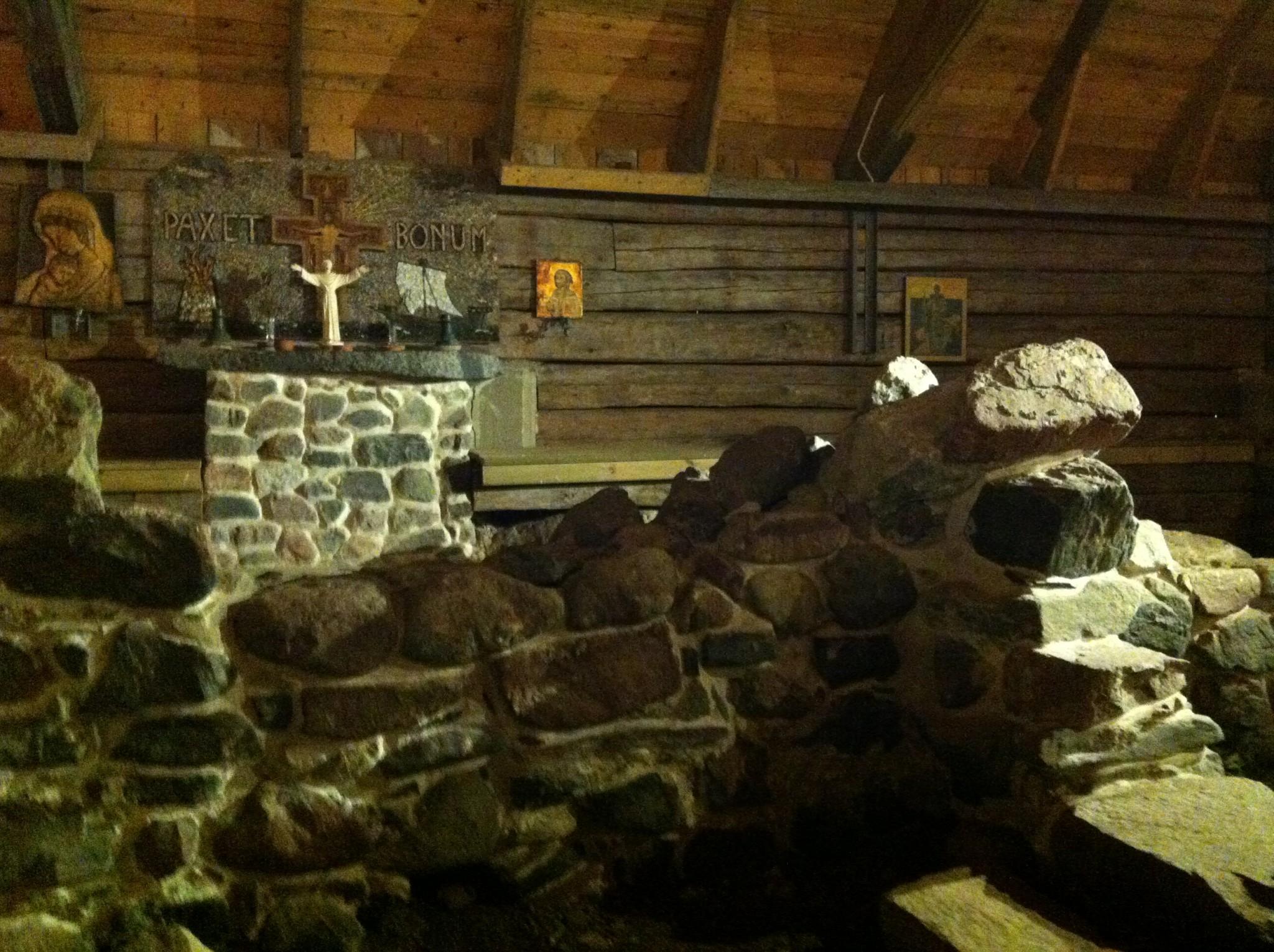 Fransiskaanimunkkien luostarimuseo Kökarilla