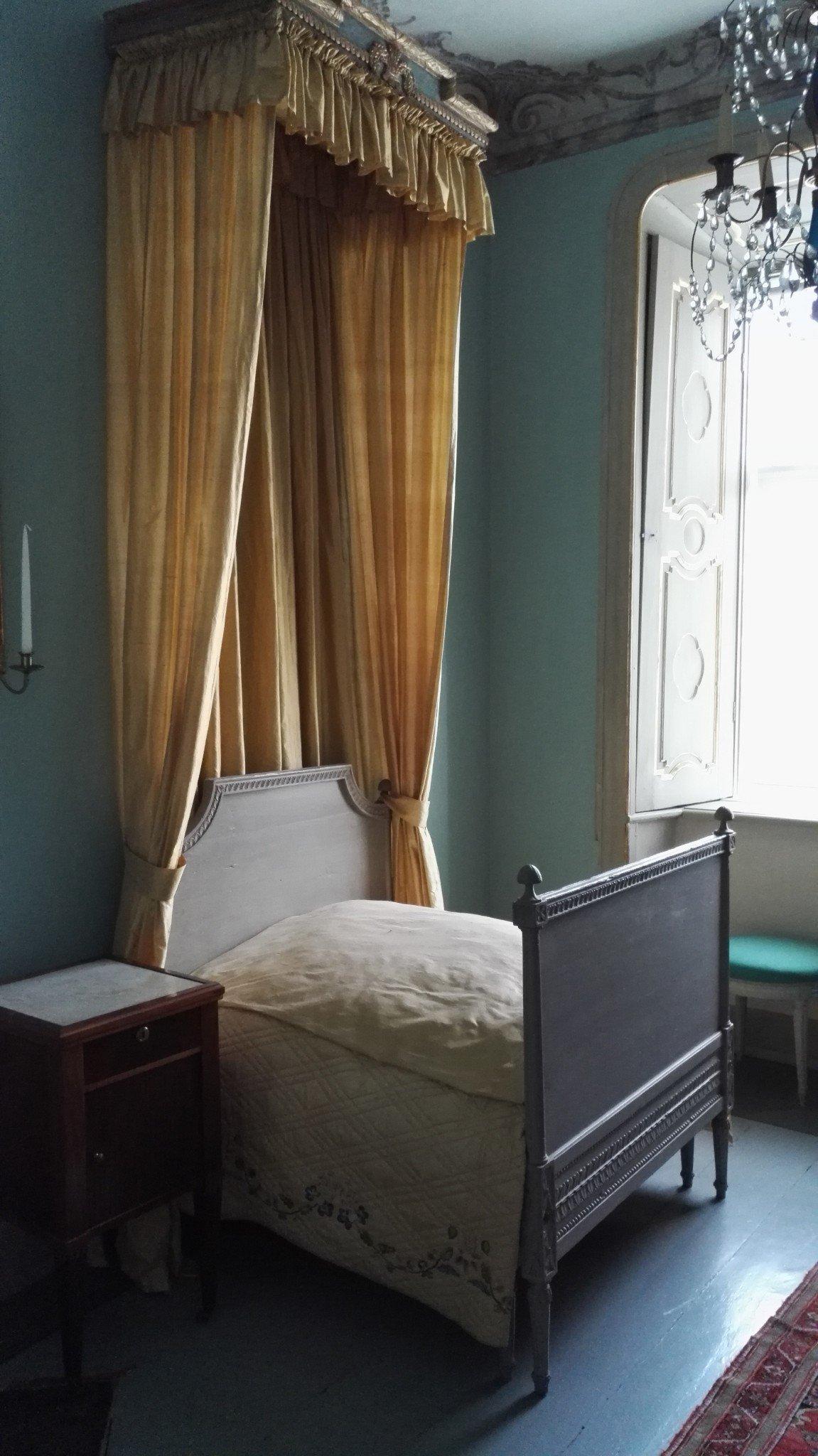 Louhisaaren kartano sänky