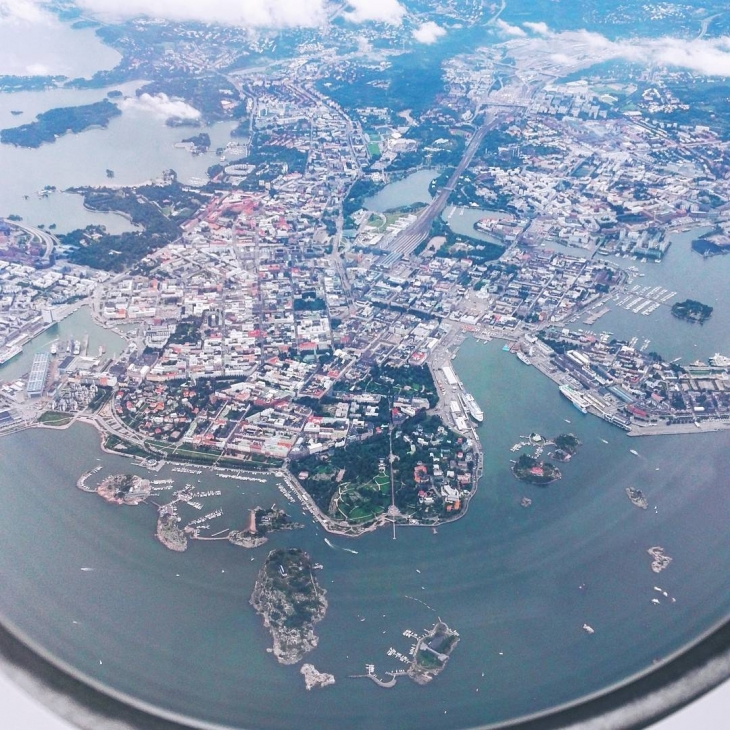 Hello Helsinki ! suomi finland helsinki touchdown airplane travelling home