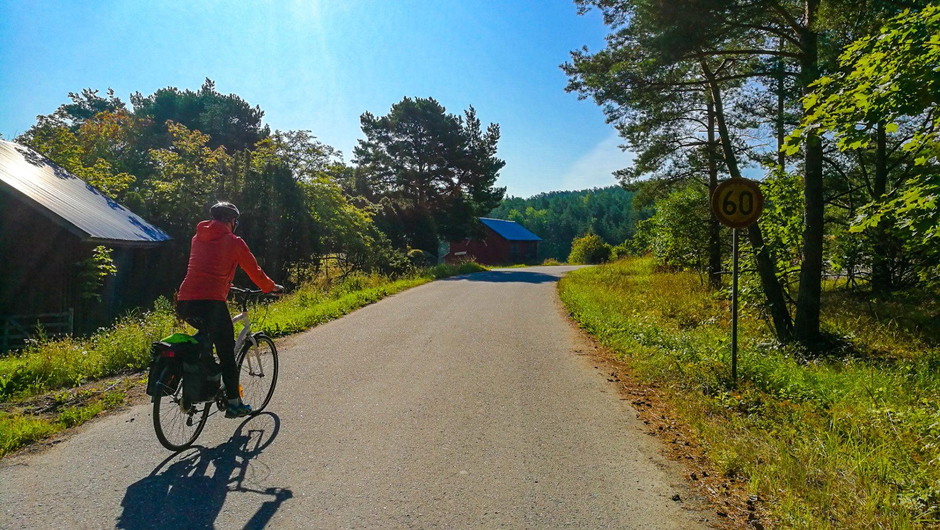 Pyörällä saaristossa